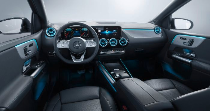 D531252-The-new-Mercedes-Benz-B-Class-More-Sports-for-the-Tourer