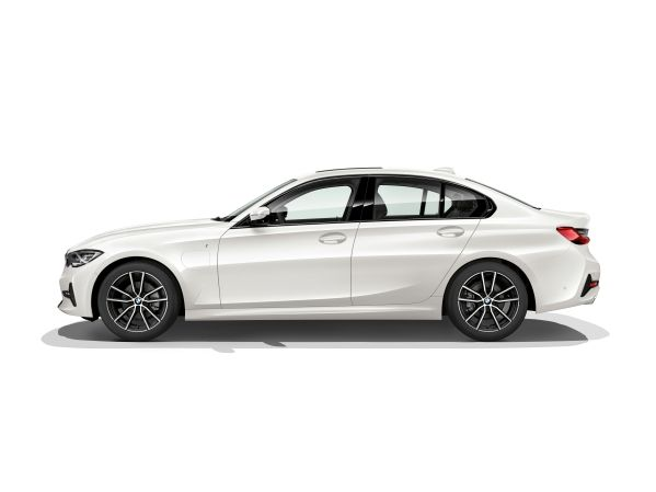 P90323742_lowRes_the-all-new-bmw-330e