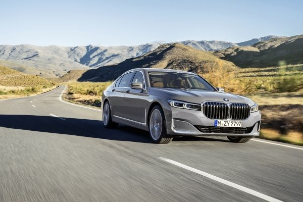 P90333059_lowRes_the-new-bmw-7-series