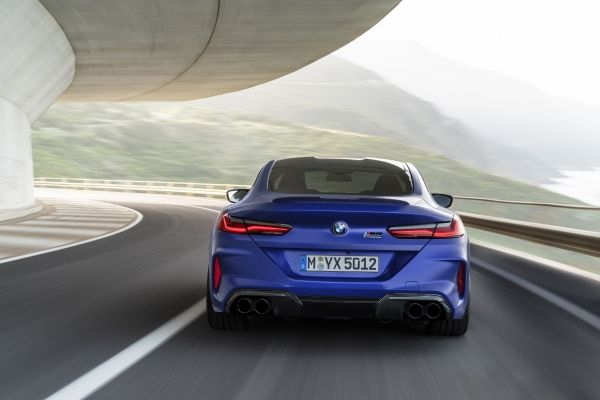 P90348766_lowRes_the-all-new-bmw-m8-c