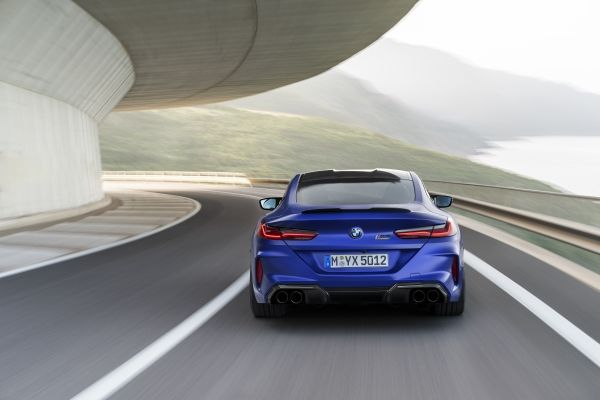 P90348767_lowRes_the-all-new-bmw-m8-c