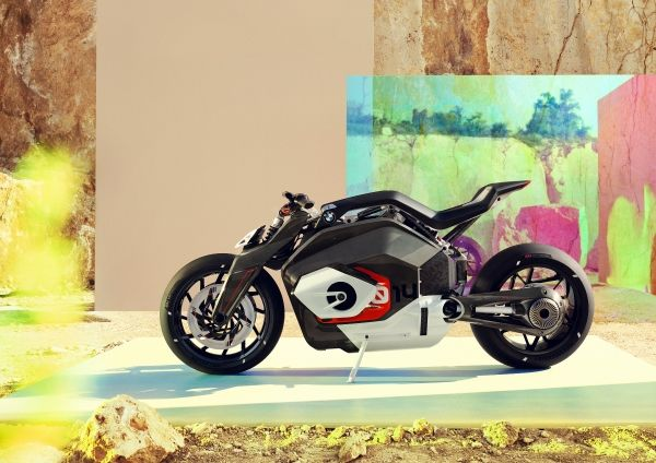 P90354719_lowRes_bmw-motorrad-vision-