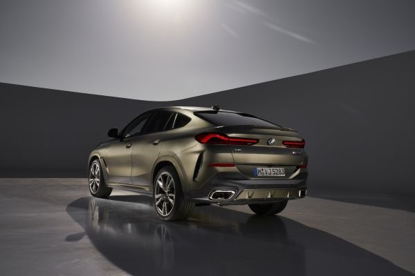 P90356697_lowRes_the-new-bmw-x6-still