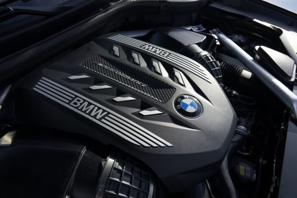P90356722_lowRes_the-new-bmw-x6-inter