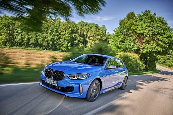 P90359067_lowRes_the-all-new-bmw-1-se