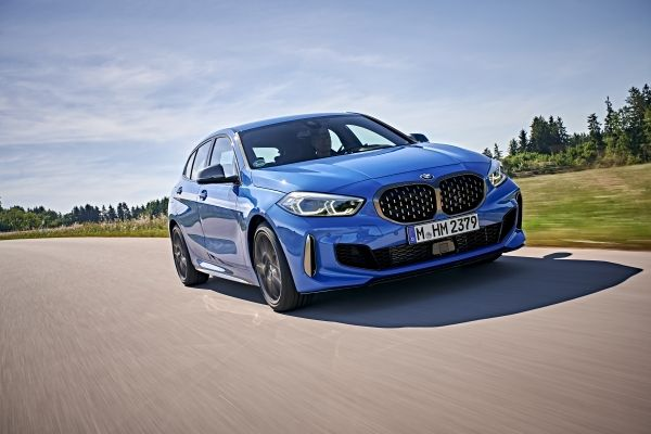 P90359068_lowRes_the-all-new-bmw-1-se
