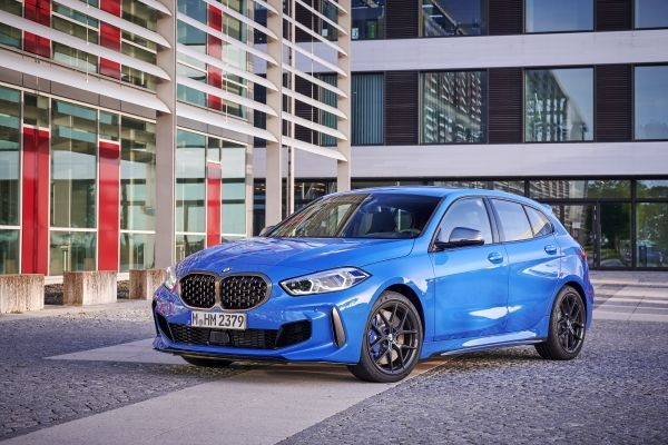 P90359099_lowRes_the-all-new-bmw-1-se